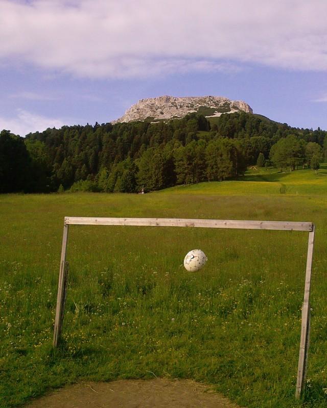 Ball am Berg